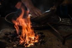 Traditionele Turkse Tingieter Covering de Koperplaat met Tin stock fotografie