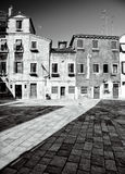 Traditionele Venetiaanse binnenplaats Royalty-vrije Stock Afbeeldingen