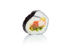Traditionele verse Japanse sushi op witte achtergrond Stock Afbeelding