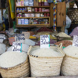 Traditionele voedselmarkt in Zanzibar, Afrika royalty-vrije stock afbeeldingen