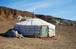 Traditionele woning van Mongoolse nomadisch stock fotografie