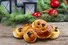 Traditionele Zweedse broodjes. Een saffraanbroodje Royalty-vrije Stock Foto's
