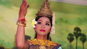 Traditionell Apsara dans i lokal restaurang i den Siem Reap staden, Cambodja arkivfilmer