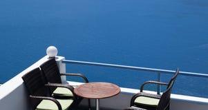 Traditionell arkitektur av den Oia byn på den Santorini ön Royaltyfria Bilder