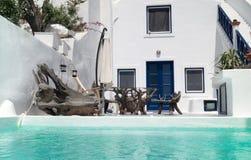 Traditionell arkitektur av den Oia byn på den Santorini ön Royaltyfri Bild