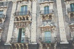Traditionell arkitektur i Catania, Sicilien, Italien royaltyfri bild