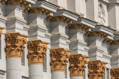 Traditionell arkitektur i gammal del av Minsk, Vitryssland royaltyfria bilder