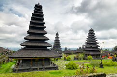Traditionell balinesearkitektur. Den Pura Besakih templet Royaltyfri Bild