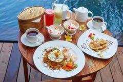 Traditionell Balinesefrukost Arkivfoto