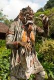 Traditionell Balinesegudstaty arkivbild