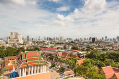 Traditionell Bangkok som är modern och Arkivfoto