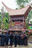 Traditionell begravning i Tana Toraja Royaltyfri Foto