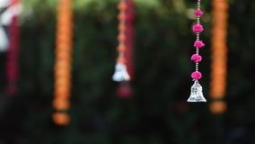 Traditionell blom- dekor för indiskt bröllop arkivfilmer