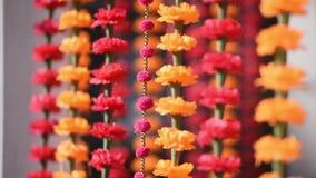 Traditionell blom- dekor för indiskt bröllop stock video