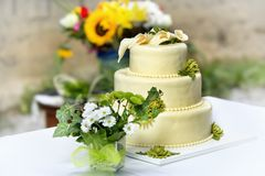 Traditionell bröllopstårta Arkivbilder