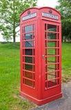 traditionell brittisk röd telefon för ask Royaltyfri Bild