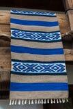Traditionell bulgar vävd filt, Etara by, Bulgarien Royaltyfria Foton