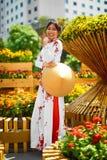 traditionell clothing vietnam Asiatisk flicka i medborgaren Traditiona Fotografering för Bildbyråer
