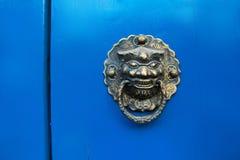 Traditionell dörr av Kina Arkivbild