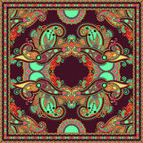 Traditionell dekorativ blom- paisley bandanna Royaltyfri Foto