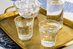 Traditionell drink Ouzo eller Raki arkivfoton