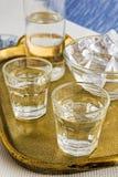 Traditionell drink Ouzo eller Raki royaltyfria bilder