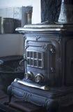 Traditionell för brandugn för wood hus spis för värmeapparat för ugn royaltyfri fotografi