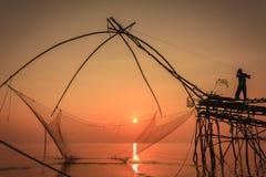 Traditionell fisk som fångar i Thailand Fotografering för Bildbyråer