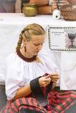 Traditionell folk mässa i heder av helgonet Istvn och det första brödet i Ungern med folk förlage Arkivbild