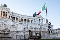 Traditionell gatasikt av gamla byggnader i Rome på Januari 5, 2 Royaltyfri Fotografi