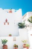 Traditionell grekisk dörr på den Mykonos ön Royaltyfri Fotografi