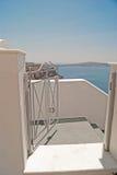 Traditionell grekisk dörr på den Santori ön Arkivbilder