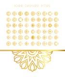Traditionell guld- dekor på vit bakgrund Royaltyfria Bilder