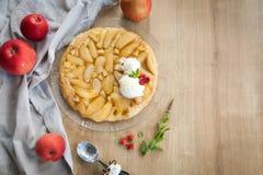 Traditionell höstpaj - fransk tartetatin Fotografering för Bildbyråer