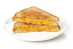Traditionell hemlagad grillad ostsmörgås arkivbilder