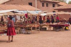 Traditionell hemslöjdmarknad i Peru Fotografering för Bildbyråer