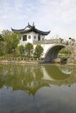 Traditionell hus & bro, Zhujiajiao, Kina Royaltyfri Foto