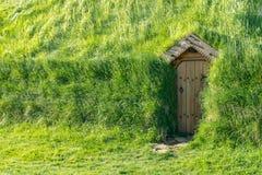 Traditionell icelandic huscoverd med gräs Royaltyfri Foto