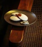 Traditionell indisk frukost - Idlis och chutney royaltyfria bilder