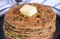 Traditionell indisk frukost Paratha Royaltyfri Foto