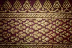 Traditionell indisk tygtextur med modeller kan användas som b royaltyfri foto