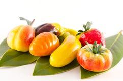 Traditionell italiensk formad bakelsefrukt Royaltyfria Bilder