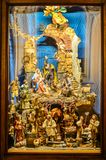 Traditionell italiensk handgjord julkrubba - presepe royaltyfria bilder