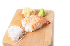 Traditionell japansk mat, räkasushi Arkivfoton
