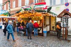 Traditionell jul marknadsför i den gamla staden av Potsdam. Fotografering för Bildbyråer