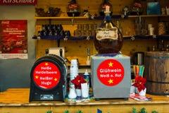 Traditionell jul marknadsför i den gamla staden av Potsdam. Royaltyfri Bild