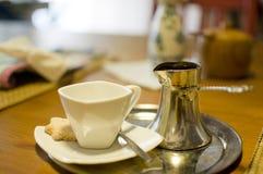 Traditionell kaffeuppsättning Arkivbild