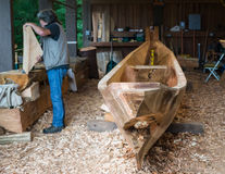 Traditionell kanotbyggmästare Arkivbilder