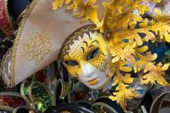 Traditionell karnevalmaskering i Venedig Arkivfoto