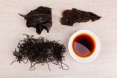 Traditionell kines som läker örthijiki och röd vis man Royaltyfria Foton